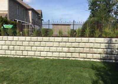Mur de soutènement - bloc de béton décoratif