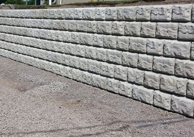 Muret de soutènement - bloc de béton décoratif